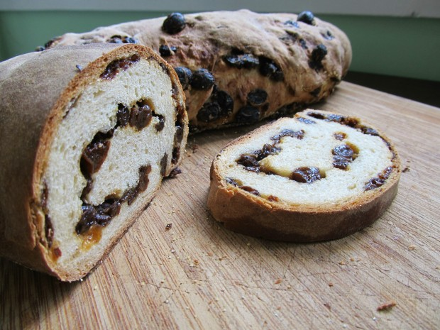 The Best Raisin Bread