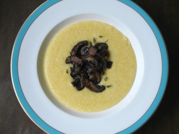 Creamy polenta and mushrooms