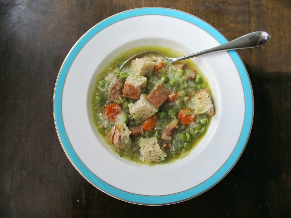 Florentine Onion and Pea soup