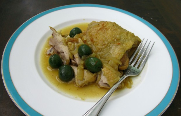 Chicken thighs with saffron and olives