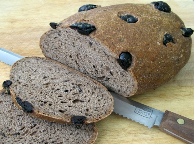 Pane di Chiavara - Olive bread