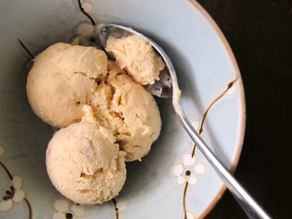 Rhubarb ice cream
