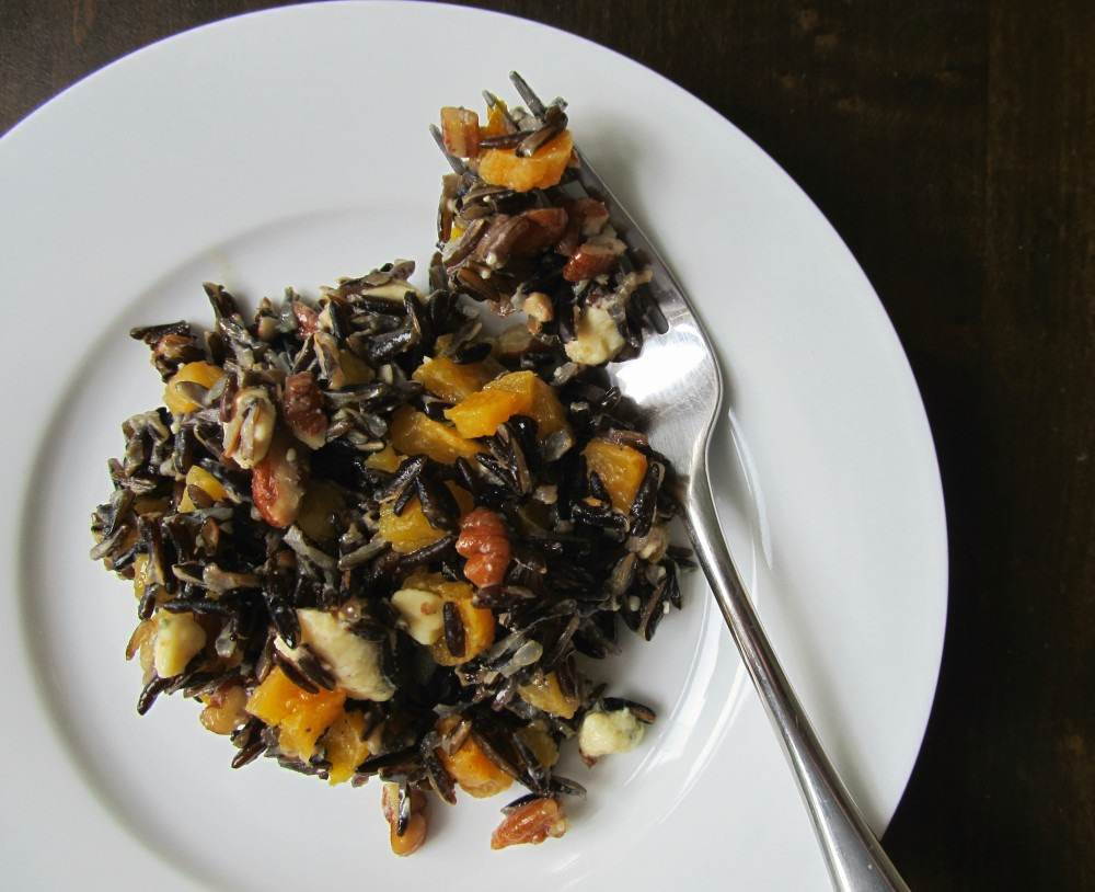 Wild rice salad with apricots and Stilton