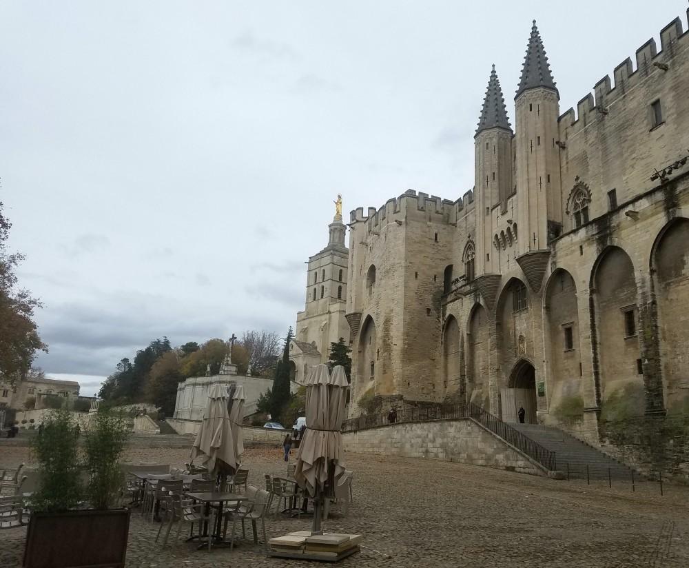 avignon-papes-palace