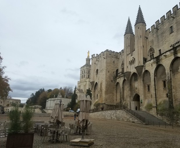 avignon-papes-palace