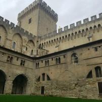 avignon-papes-palace2