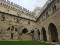 avignon-papes-palace3