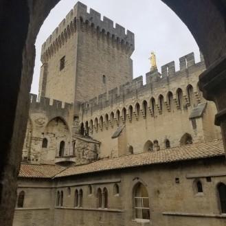 avignon-papes-palace4
